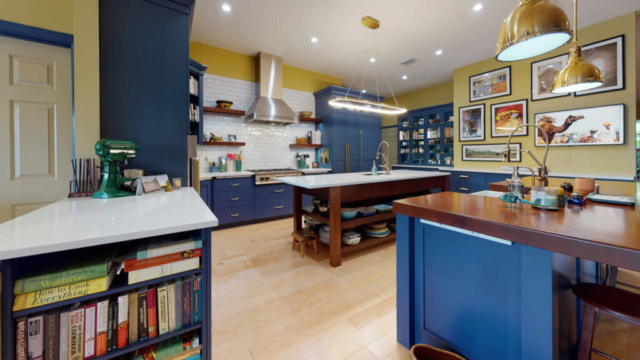 Wooden Kitchen Cabinets and Granit/Wood Countertops - after remodeling